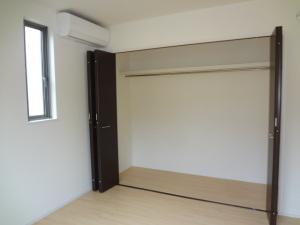 洋室7収納